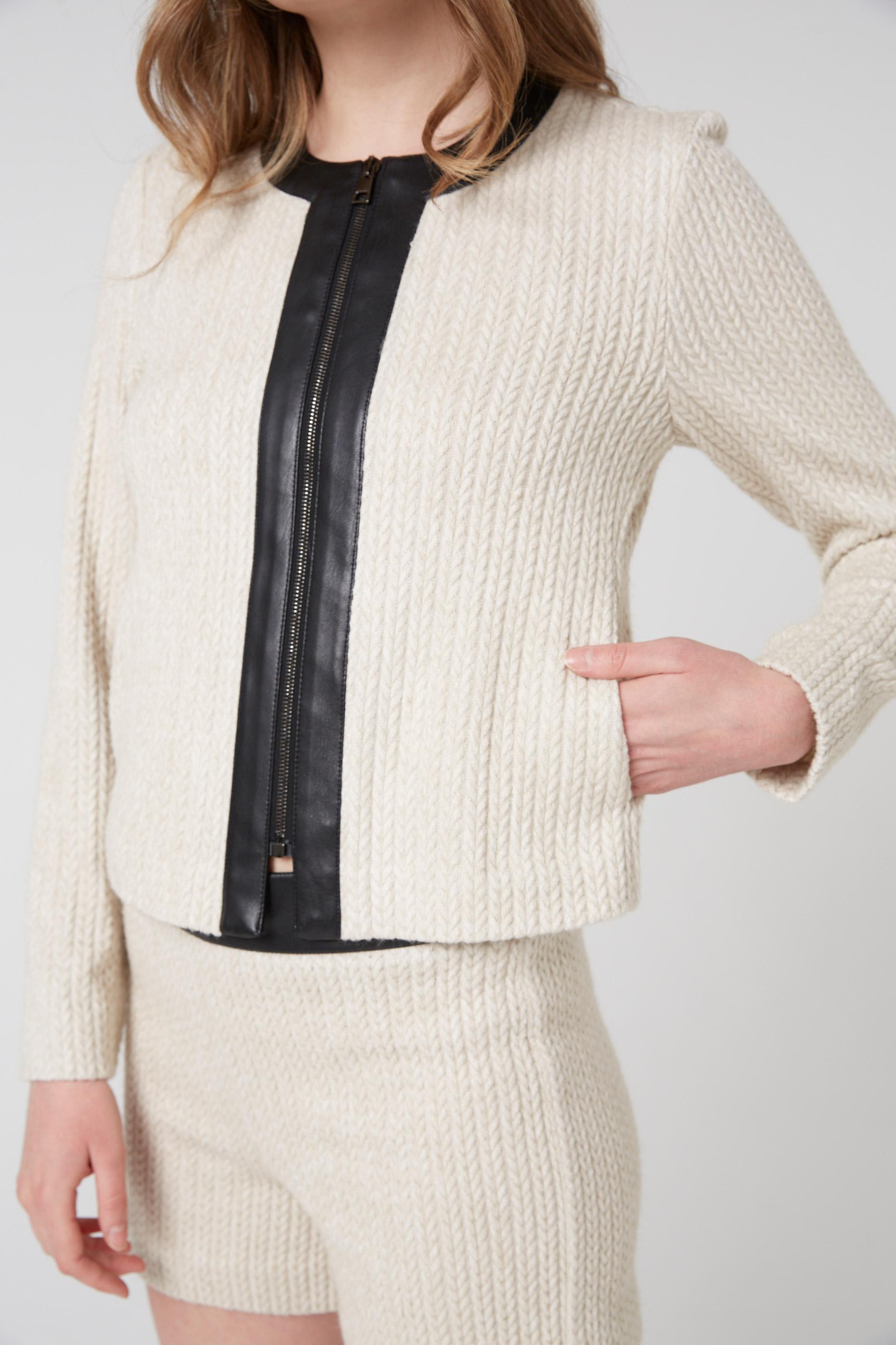 veste en maille blanche pour femme avec zip en cuir